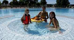 al sol en las piscinas de xinzo