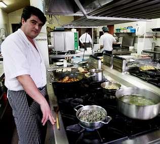 Cuatro costillares del mejor buey del mundo se comer n en vigo - Mundo cocinas vigo ...