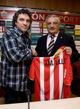 El gallego Raúl Caneda acompaña a Lillo en el banquillo del Almería