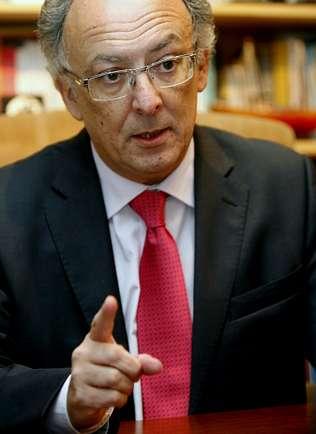 «La negociación para financiar el puerto exterior coruñés va bien»