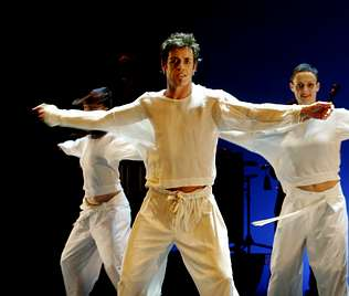 España (Galicia)  Bailando al son de Michael Jackson