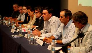 En la foto, los ponentes de la jornada de la Casa Dopeso Autor de la imagen: | JAVIER PIÑEIRO