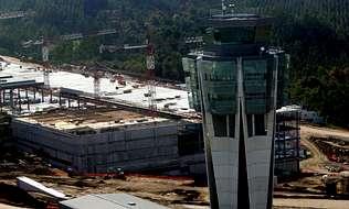El techo de Lavacolla quedará fijado en 2,13 millones de viajeros