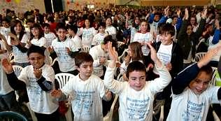 Unicef engancha a un millar de j�venes embajadores en Bai�n