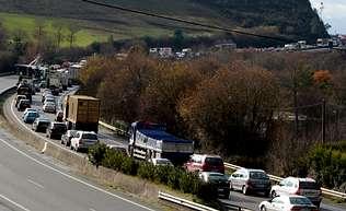 El viaje A Coru�a-Vigo por la AP-9 cuesta tanto como el AVE a Valencia