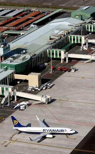 Lavacolla se queda sin vuelos internacionales regulares por primera vez en m�s de 30 a�os