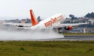 La emigración pide vuelos a Alemania y Suiza desde Santiago