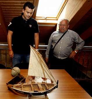 Útiles ligados a la dorna se suman al museo de Ribeira