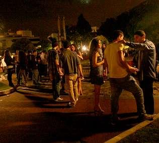 Los menores sortean la ley gallega que les prohíbe consumir bebidas alcohólicas