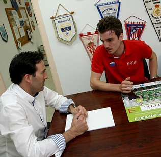 Manu Barreiro pide tiempo para estudiar la oferta del Racing