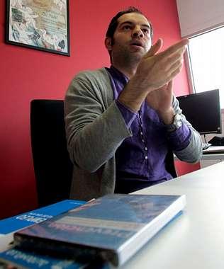 En Santiago y comarca buscan empleo 437 personas sordas