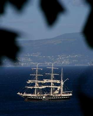 Ons recibi� la visita del velero del siglo XIX�Belem�