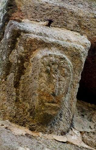 Notables ejemplares  del arte medieval de la Ribeira Sacra lucense