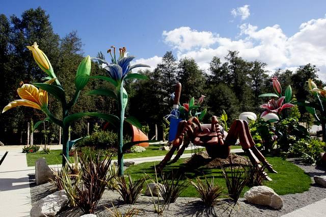 Arte en los jardines for Los jardines esquelas