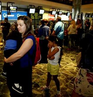Casi 200 pasajeros esperaron 24 horas en Lavacolla para volar a Tenerife