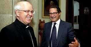 Conde Roa y Juli�n Barrio abordaron el 800 aniversario de la catedral