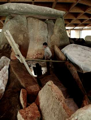 Empieza el rescate de la capilla sixtina del megalitismo gallego