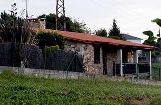Quema su casa de Bergondo para matar a su pareja y suicidarse