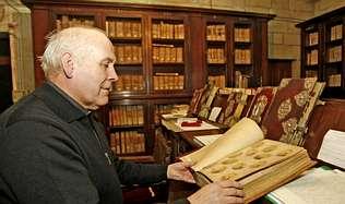«O arquivo da catedral de Santiago é a metade da alma de Galicia»