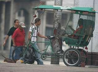 Capitalismo en Cuba, privatizaciones, economía estatal, inversiones de capital internacional. G29P24F1