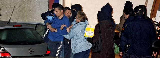 La policía atribuye a los independentistas gallegos detenidos un plan contra los Príncipes