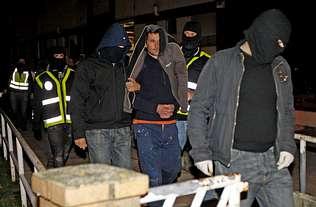 La policía atribuye a los independentistas gallegos detenidos un plan contra los Príncipes  G1P4F2