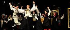 El conjunto folclórico de la Sociedad Parroquial de Vedra festejó  sus 50 años de vida.