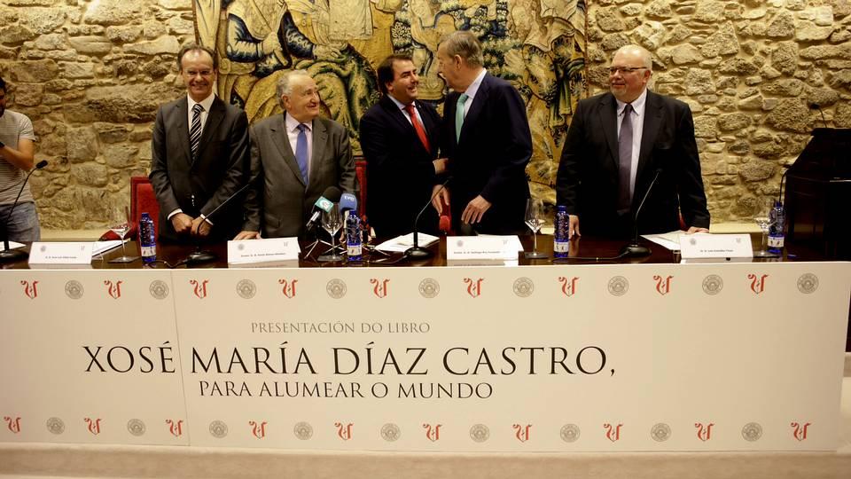 La Voz presenta na Academia o seu libro sobre Díaz Castro
