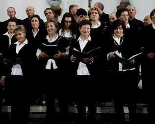 La coral agolense, en el concierto que compartió con Voces del Duero.