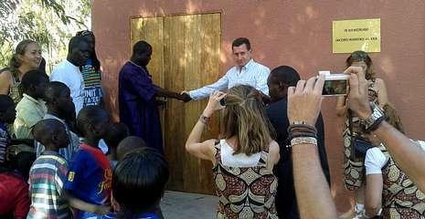 Momento de la apertura formal de la escuela, el pasado sábado en la comunidad rural de Palmarin, en la costa de Senegal.