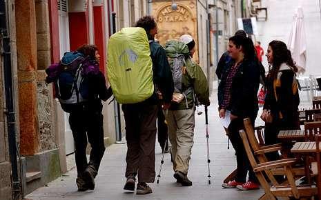 Los estudiantes hablaron con los peregrinos en varios lugares
