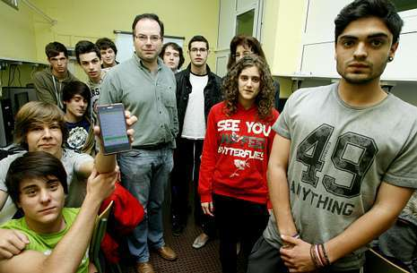 http://www.lavozdegalicia.es/noticia/lugo/2014/05/26/alumnos-desarrollan-aplicacion-movil-sobre-incendiosmonte-sen-lume/0003_201405L26C3991.htm