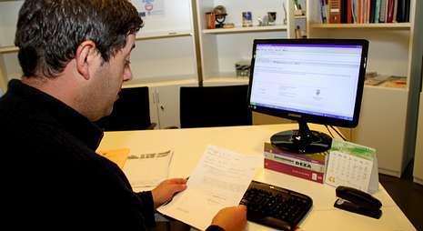 Carlos Presas es responsable del Servizo de Atención ás Migracións (SAMI), que tramita las demandas.
