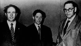 Na imaxe Isaac D�az Pardo, entre Laxeiro e Luis Seoane.