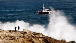 El dispositivo coordinado por Salvamento Marítimo se completa con patrullas de la Guardia Civil. FOTÓGRAFO: CESAR QUIAN