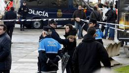 La polic�a mantiene acordonada toda la zona. FOT�GRAFO: EDUARDO PEREZ