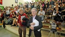 Un hist�rico del nacionalismo, Camilo Nogueira, estuvo presente en la asamblea FOT�GRAFO: XO�N A. SOLER