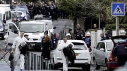 Un hombre abrió fuego la mañana de este lunes contra un grupo de niños y de padres ante la escuela judía FOTÓGRAFO: MAXPPP/XAVIER DE FENOYL | EFE
