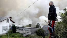 Fragas do Eume, un paraje natural de belleza incomparable, es pasto de las llamas. FOT�GRAFO: C�SAR TOIMIL