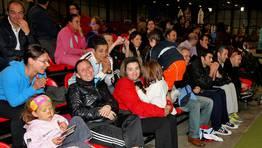 Eso s�, contaban con el apoyo de sus padres en la grada FOT�GRAFO: MARTINA MISER