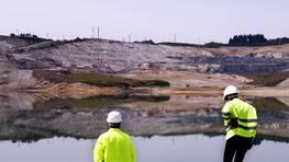 Las lluvias del 2008 presagiaban una finalizaci�n del llenado ya en el 2011, un a�o antes de lo previsto. Francisco Ar�chaga, director del yacimiento anunciaba entonces que el agua acumulada estaba por encima de las calidades exigidas por Augas de Galicia FOT�GRAFO: v�tor mejuto