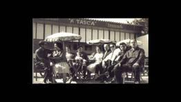 Un grupo de vecinos de Mera de Arriba visitan la Feria de Muestras en una de las ediciones de los a�os 60 FOT�GRAFO: Aurora P�rez
