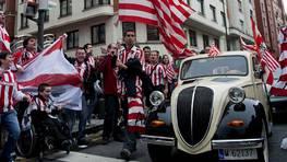 Bilbao se lanz� a la calle para animar a sus h�roes antes del partido. FOT�GRAFO: Miguel To�a | EFE