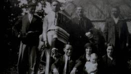 Familia de emigrantes de regreso de Cuba, Xove, 1930 FOT�GRAFO: ARCHIVO CONCELLO DE XOVE