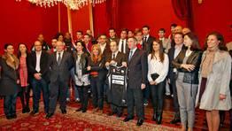 El concello de Santiago ha rendido homenaje a Obradoiro y al Compostela, despu�s de los �xitos de esta temporada. FOT�GRAFO: XO�N A. SOLER