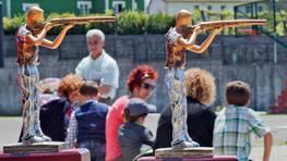 En los d�as previos, la celebraci�n hab�a cobrado notoriedad al anunciar el concello que, por primera vez, los vecinos deber�an pagar una cuota de 8 euros para poder comer. FOT�GRAFO: MERCE ARES