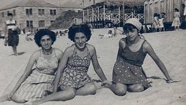 Playa de Alcabre (1948). Sofia, Loli y Julieta.