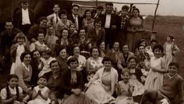 De merenda na festa de San Pedro, en Ma��n, o 29 de xu�o de 1957 FOT�GRAFO: Carlos Mart�nez Fern�ndez