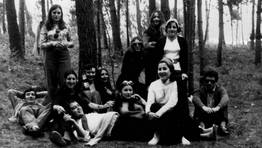 Pandilla en la romer�a de O Bispo Santo, Foz, 1970. FOT�GRAFO: Cedida por Isabel Becerra