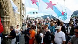Instante en que la manifestación, de más de un kilómetro de largo, entra por la Porta de Carlos V FOTÓGRAFO: PEPA LOSADA